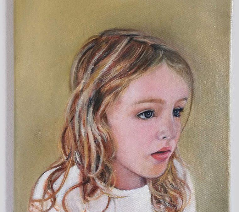Portret deklice Ize/ Portrait of girl Iza